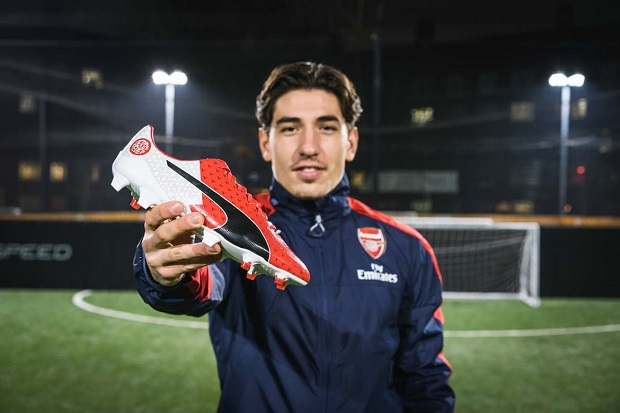 Hector Bellerin with Puma evoSPEED SL Derby Fever