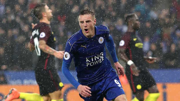 EPL Wrap-up: Leicester Embarrasses City; United Holds On