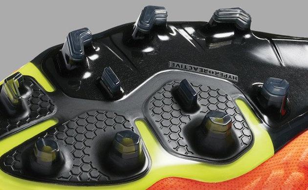 Nike Hypervenom Phantom HyperReact Plate