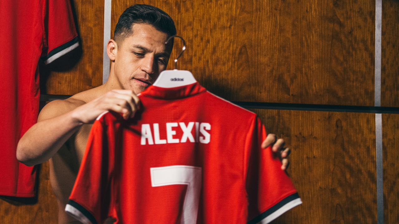 Mkhitaryan and Alexis switch places