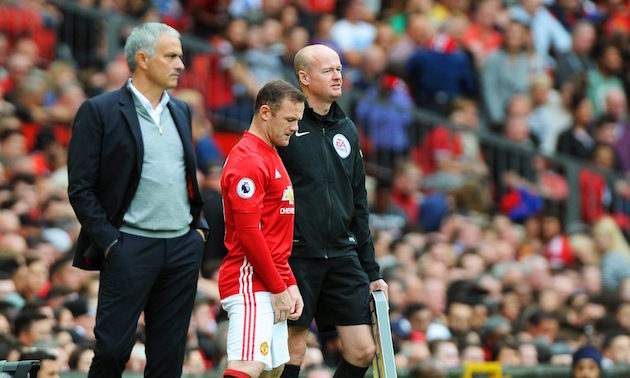 Wayne Rooney subs in for United