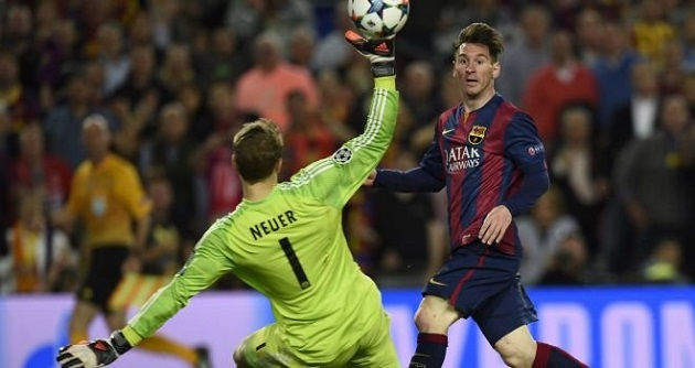 Messi beats Neuer in Champs League