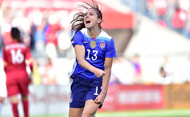 Alex Morgan scores vs. France