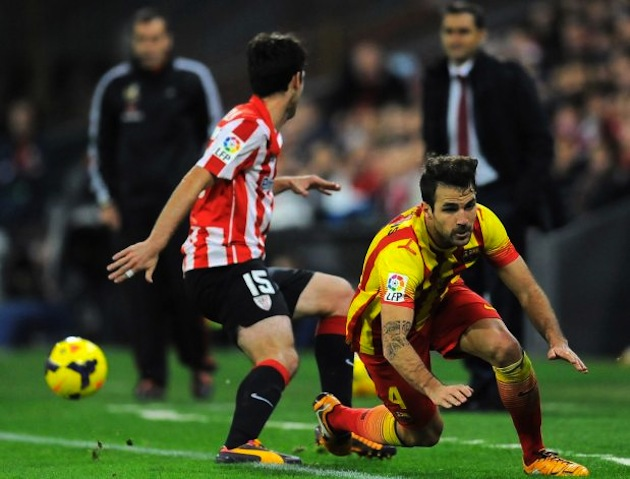 Barca-stumbling-Fabregas