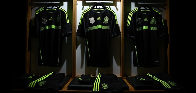 Full Spain away kit