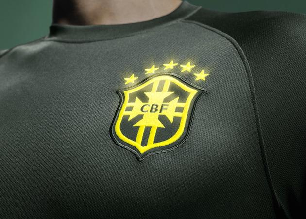 Brasil third kit crest