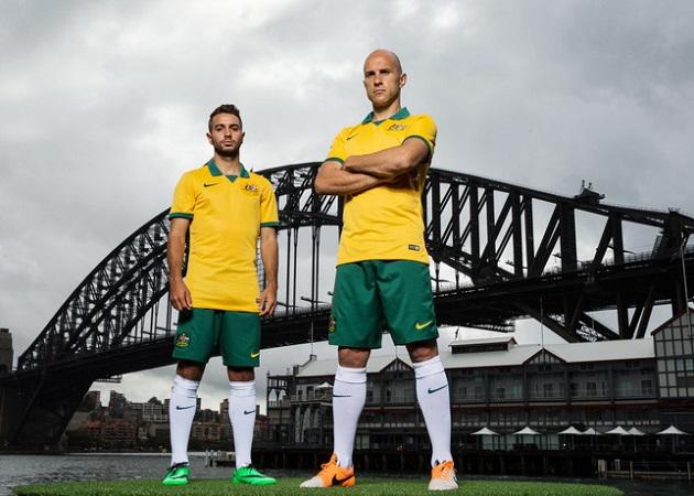 Australia home kit players
