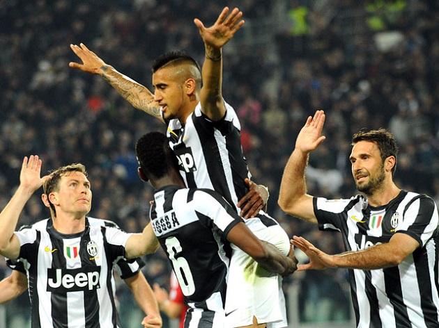 Juventus scores