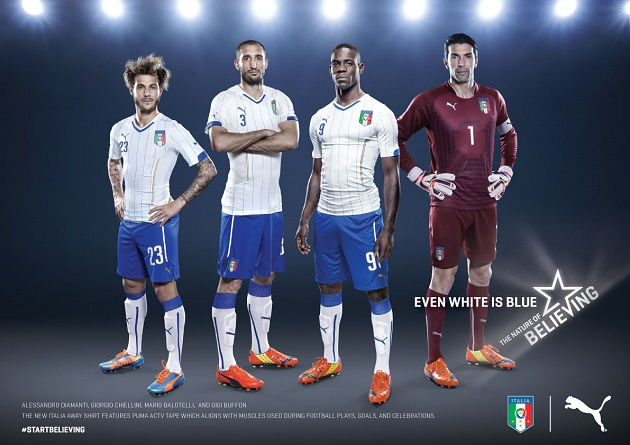 Italy away kit team shot