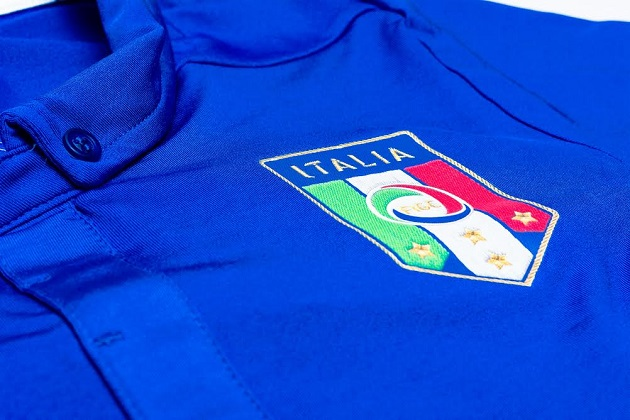 Italy home jersey crest