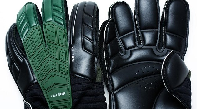 Collegiate Goalkeeper Coach Reviews Nike Gloves