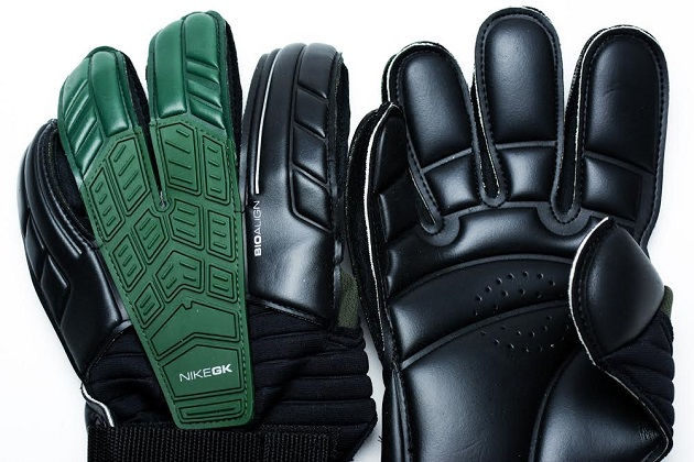Nike Confidence Glove