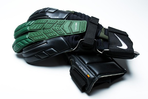 Confidence Goalkeeper glove