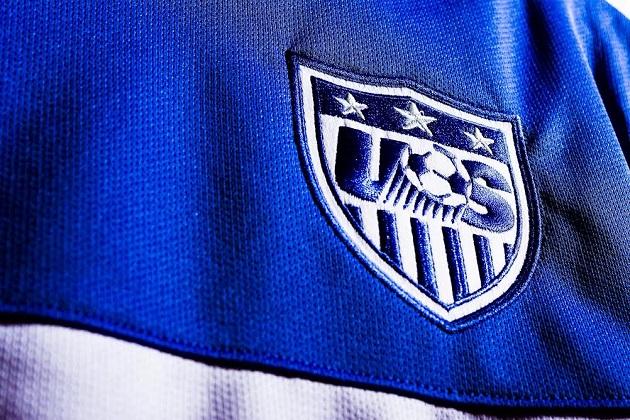 USA away jersey crest