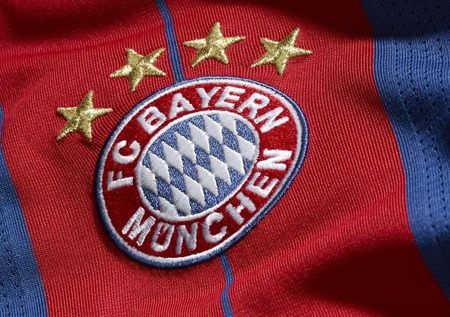 Bayern home jersey crest
