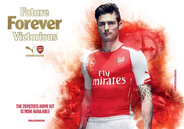Giroud in Puma Arsenal home