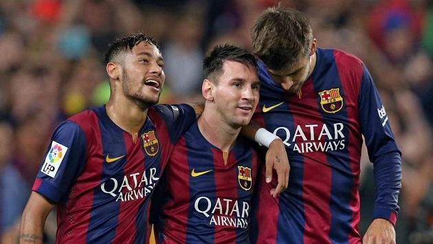 Neymar, Messi, and Pique celebrate
