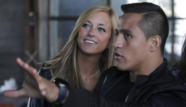 Alexis Sanchez and girlfriend