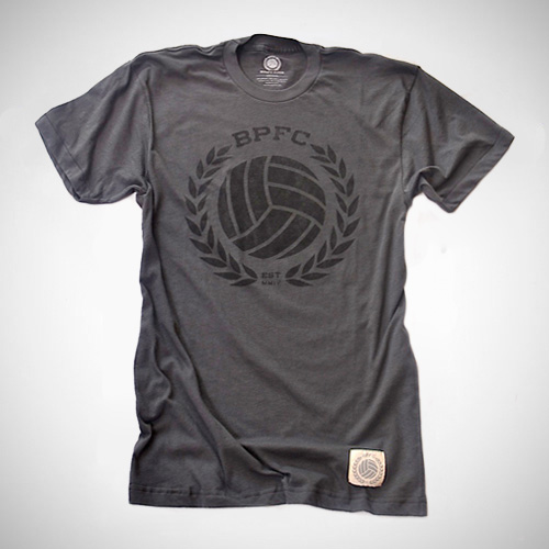 Bumpy Pitch Crest tee