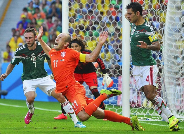 Robben dives in World Cup vs. Mexico