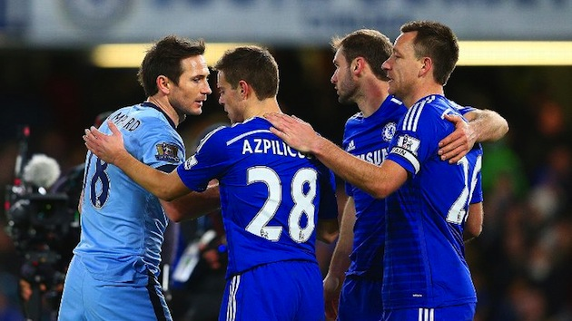 Terry and Chelsea greet Lampard