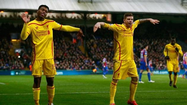 Gerrard and Sturridge celebrate
