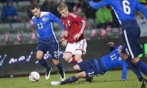 US Slump to Defeat Against Danes