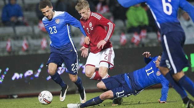 US Slump to Defeat Against Danes