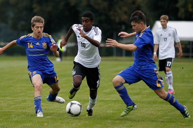Zelalem playing for Germany youth