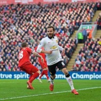 EPL Weekend Wrap-up: United March On