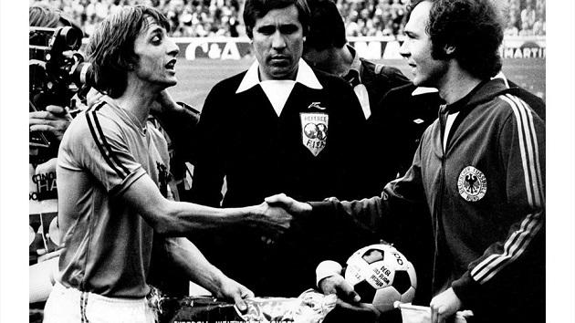 Cruyff and Beckenbauer 1974 World Cup final