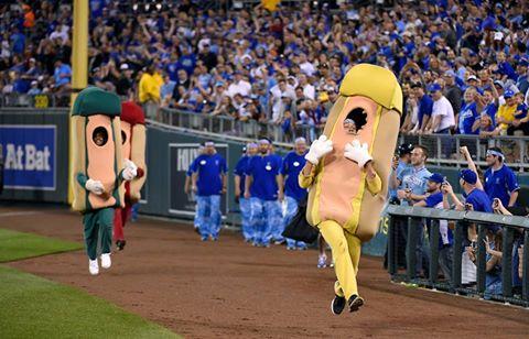 Sporting KC hot dog race