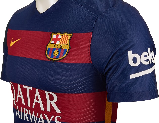 wholesale dealer b33b2 a7ad8 Nike Drops Barcelona 2015-16 Home and Away Jerseys - The ...