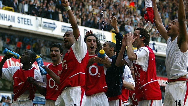 "Arsenal clinches 2004 ""Invincibles"" title"