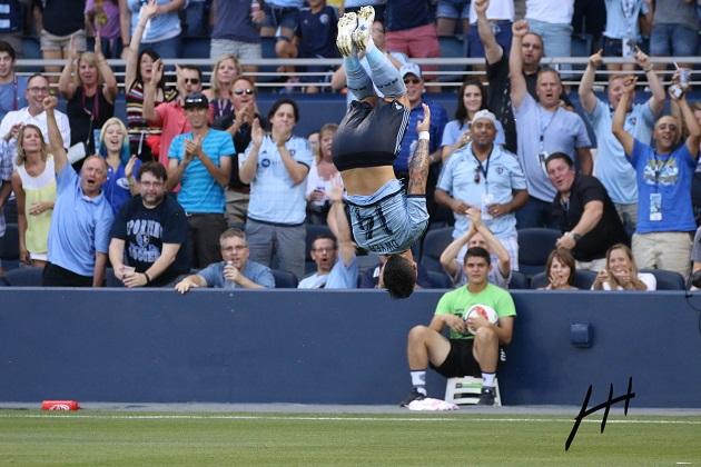 Sporting's Dom Dwyer flips