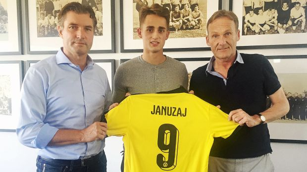 Januzaj signs with Dortmund on loan