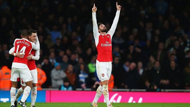 Giroud scores for Arsenal