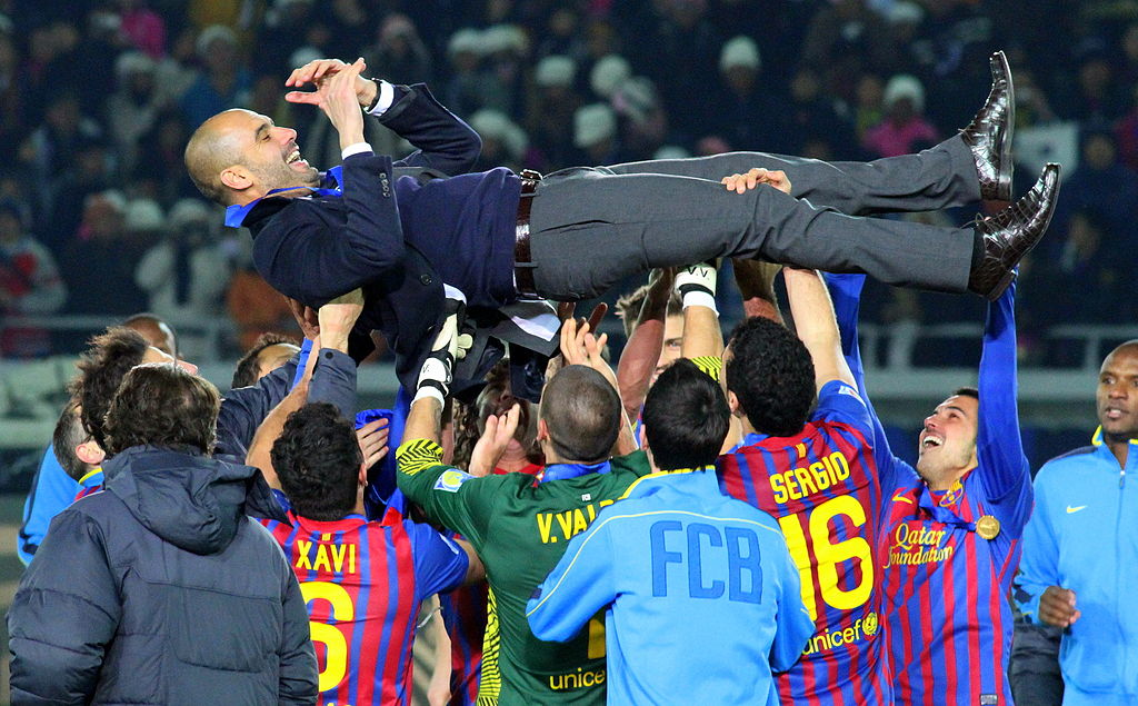 Pep celebrated by Barca players