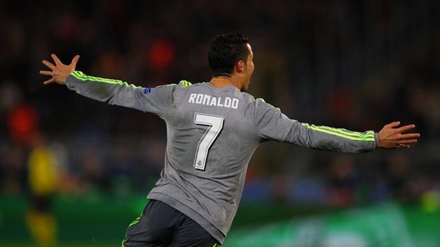 Cristiano Ronaldo scores for Real