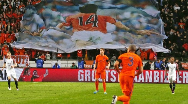 Dutch Fall to France Amid Cruyff Tribute