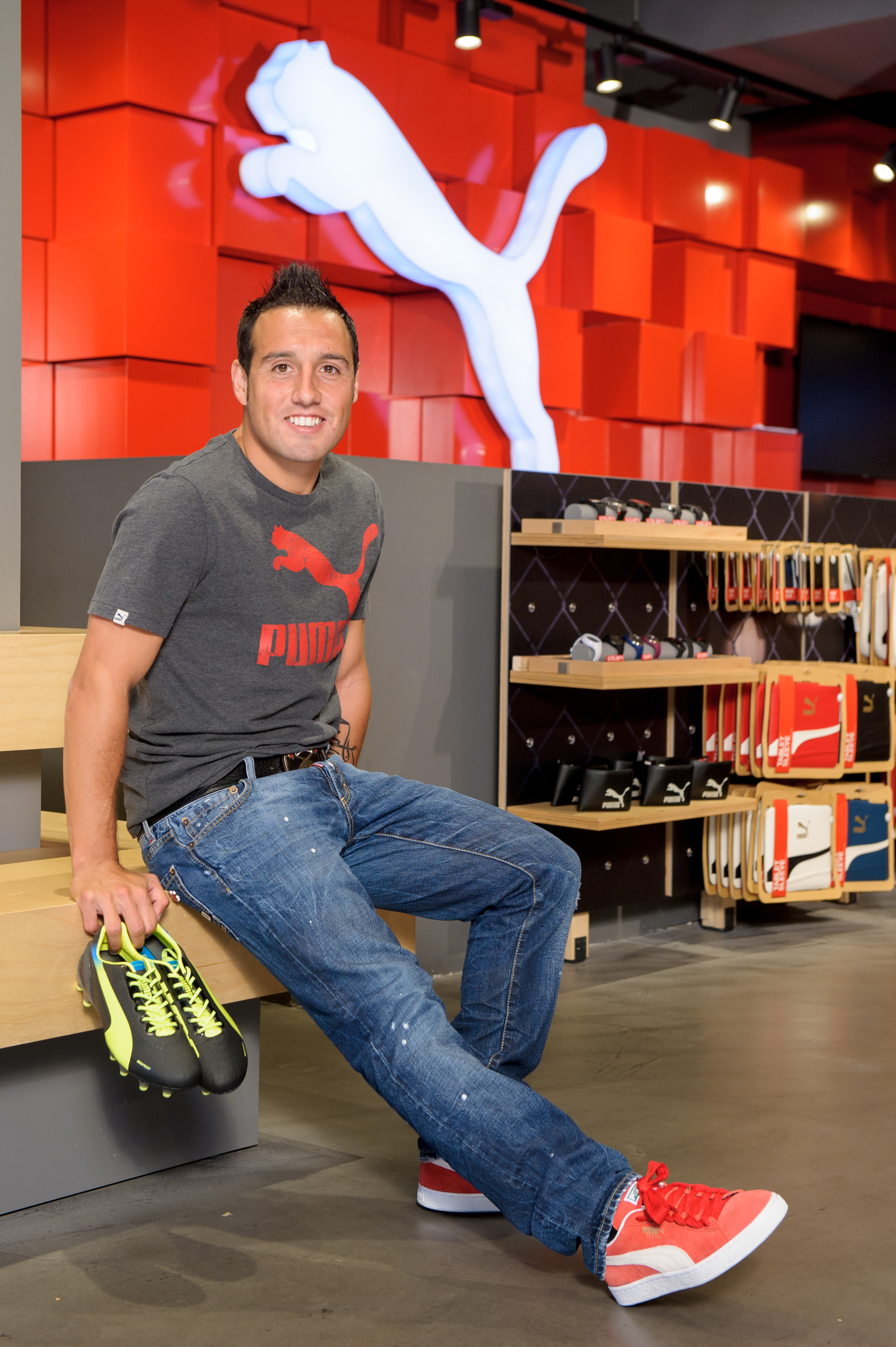 SANTI CAZORLA SIGNS FOR PUMA