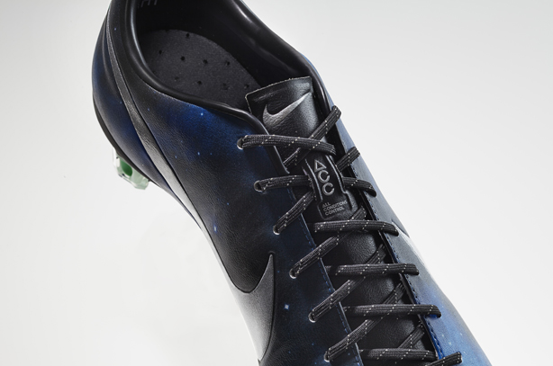 CR7 Galaxy laces zoom edited