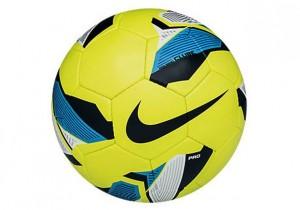 SC2218_340_Nike5_Rolinho_Clube_Ball_Hot_Lime_zm