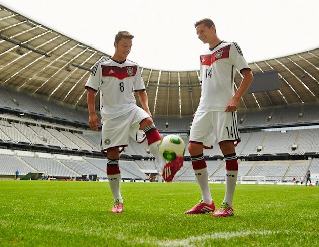 Ozil-Kruse-World-Cup-kit