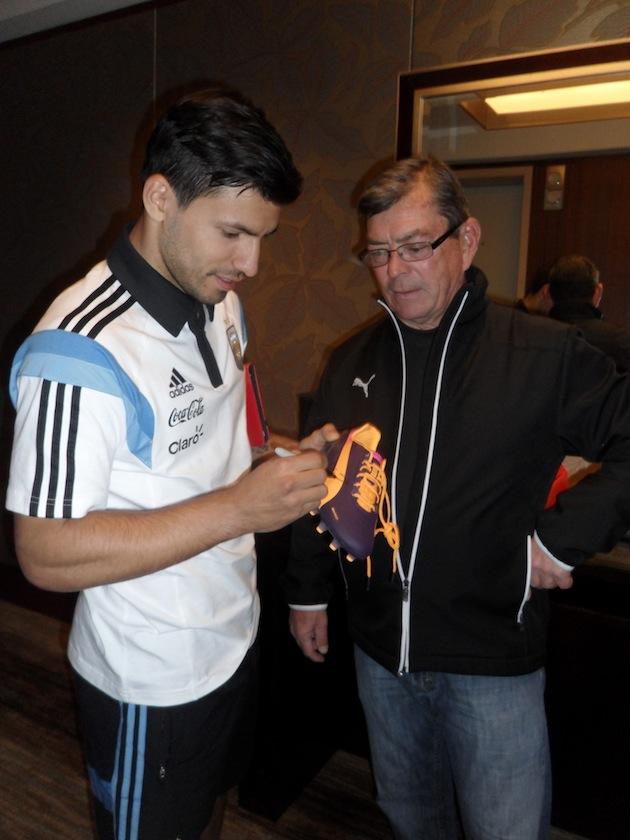 Aguero-signed-Pumas