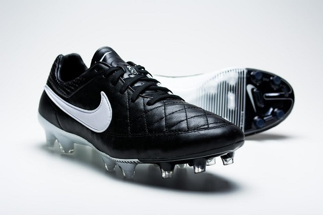 Tiempo Legend V in black/white