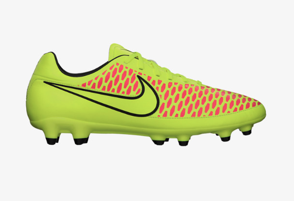 Nike Magista Onda side view