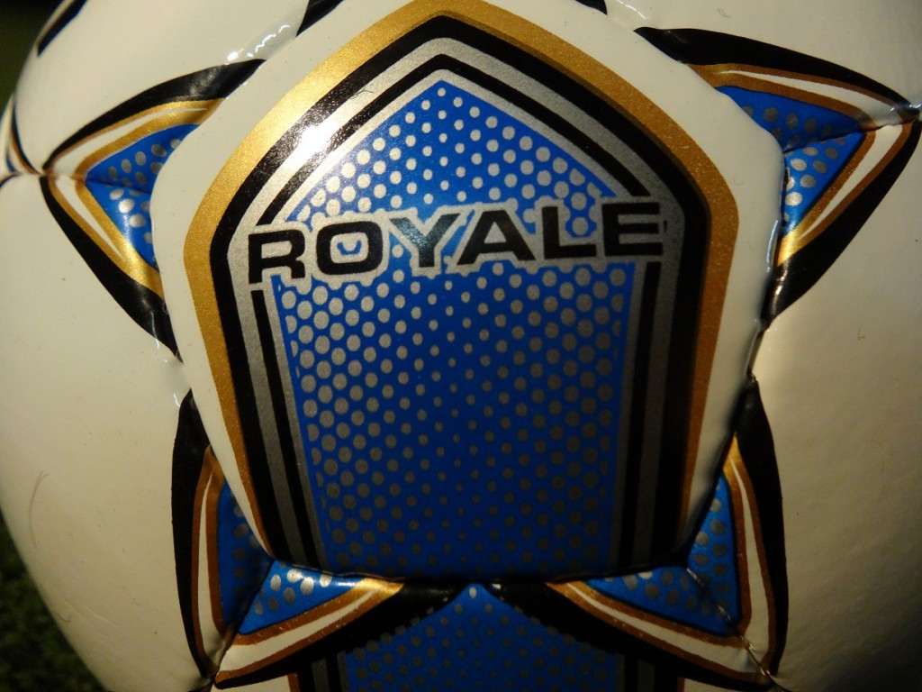 Royale Select Close-Up