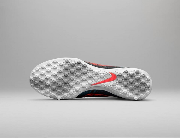 Turf outsole of Elastico Superfly