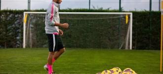 Neymar's Bright, Bold Liquid Diamond Nike Hypervenom